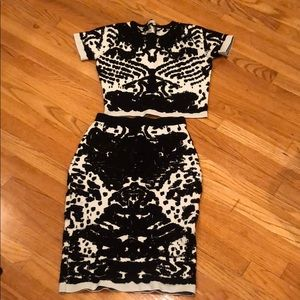 2 Piece Matching Set Black and White Set